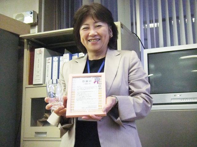 第10代事務長 江澤慶子さん。在任期間も歴代最長でした。